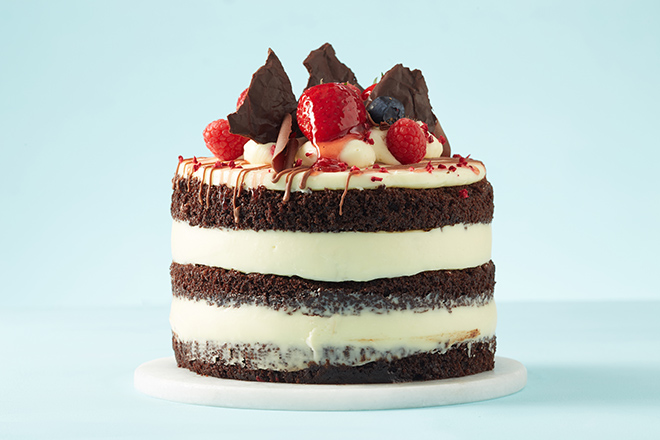 Naked Vanilla Cake with Chocolate Mousse - Love Your Abode