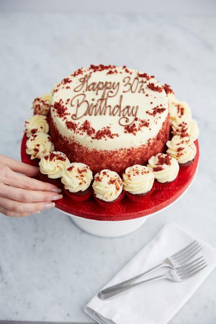 Buy Red Velvet Carousel Cake Online From Lola S Cupcakes
