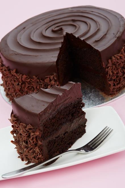 Cake With Chocolate Fudge : Lola s Cupcakes - Classic Chocolate Fudge Cake