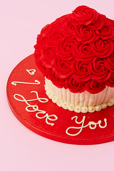 Buy Red Rosette Giant Cupcake Online From Lola S Cupcakes