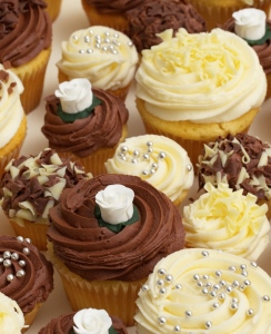 Buy wedding cupcakes online from lolas cupcakes chocolate and ivory wedding cupcakes junglespirit Image collections